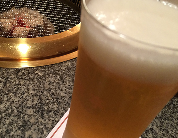 ビールにも合いすぎる肉。