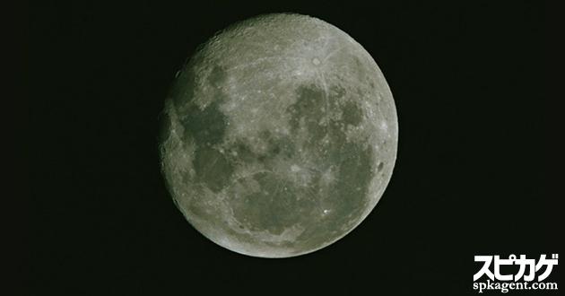 月は神秘的なモチーフ